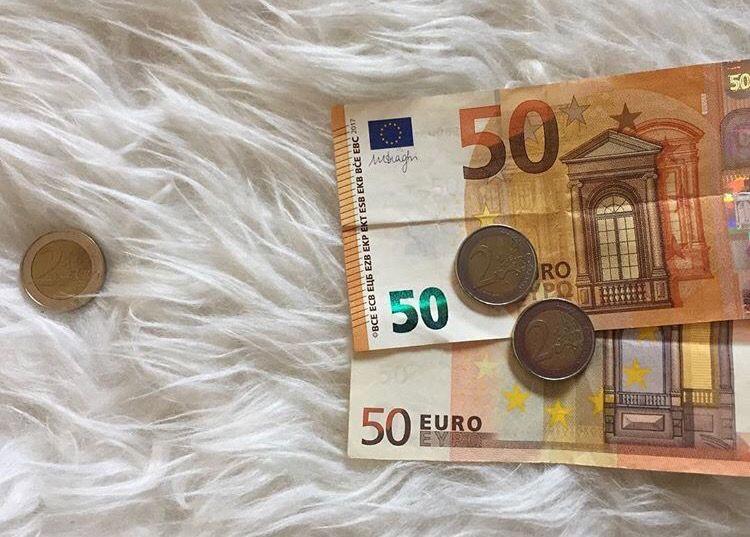 Hoe kun je besparen op kleine uitgaven?